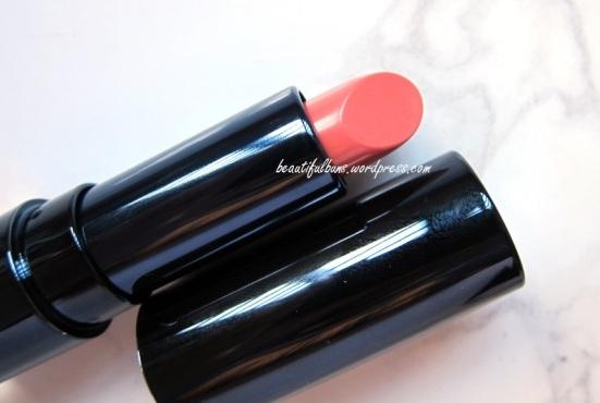 Lirikos Marine Rouge On Lipstick (2)